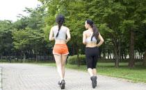 女性跑步真的会让大腿变粗吗 女人每天坚持跑步好不好
