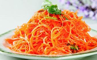 凉拌胡萝卜需要用水煮熟吗 胡萝卜和什么凉拌好吃