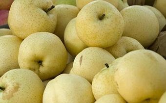 梨子和酸奶一起吃对身体好吗 梨和葡萄一起吃有副作用吗