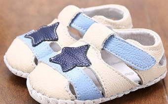 立秋后宝宝能穿凉鞋吗 宝宝秋天穿什么凉鞋好